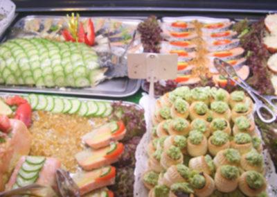 didierplattraiteur-buffet-offre-traiteur-vitrine-boutique